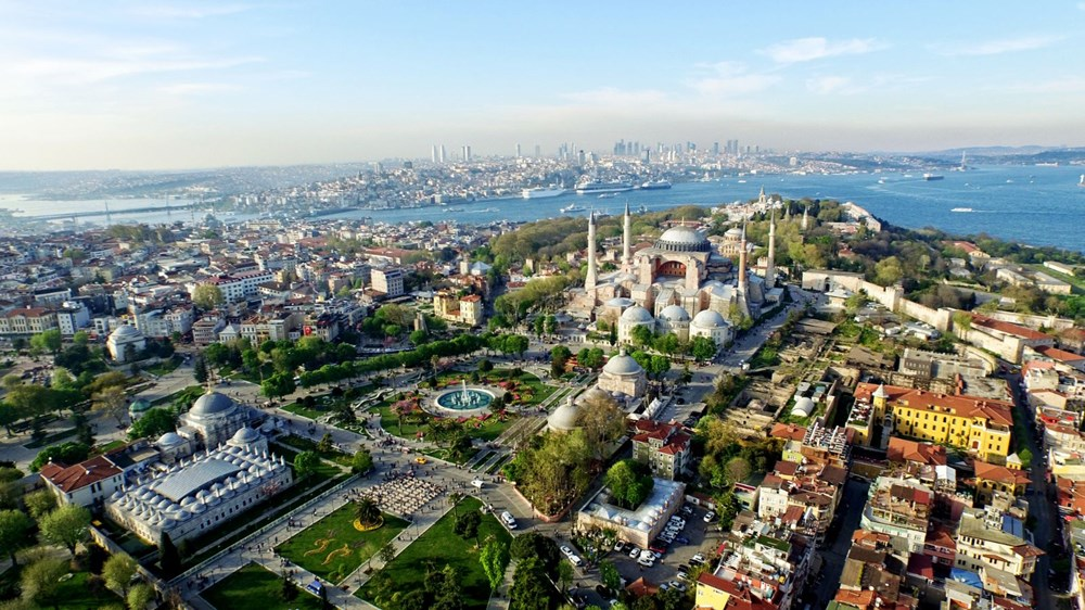 2- İstanbul'un Tarihi Alanları (1985)