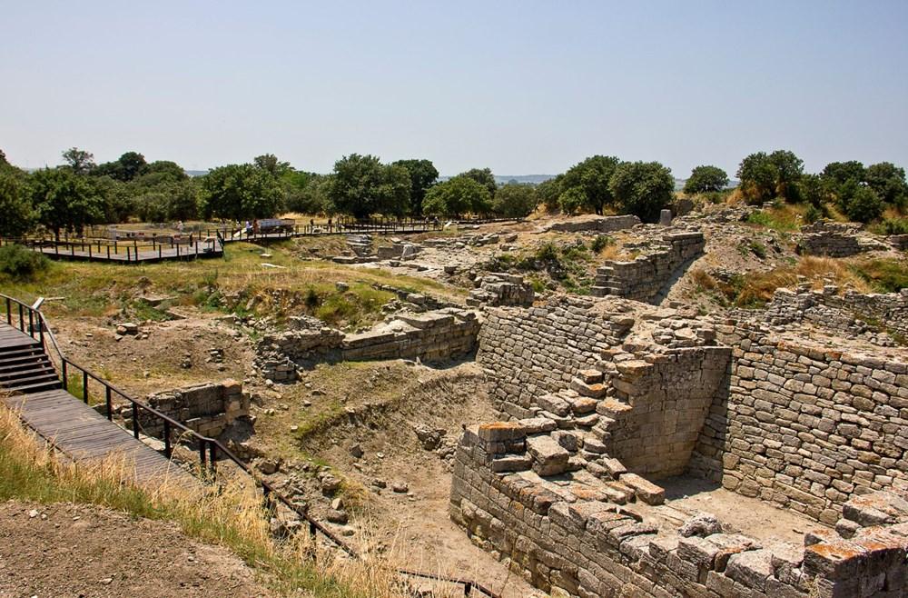 9- Truva Arkeolojik Alanı, Çanakkale (1998)